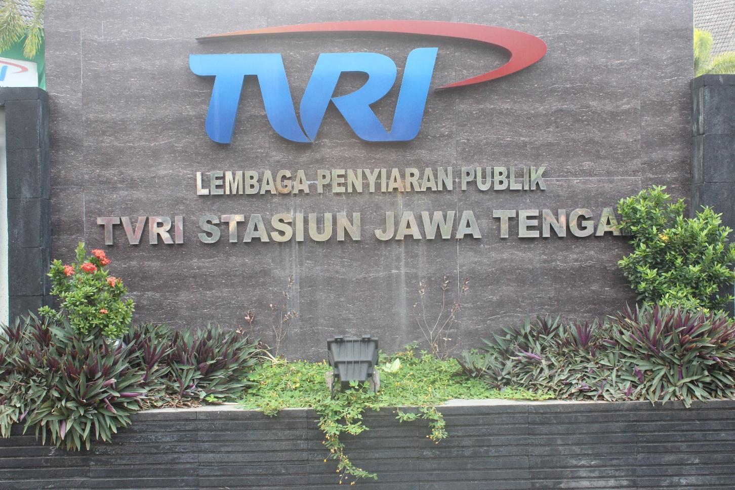 Penampilan di TVRI (live)
