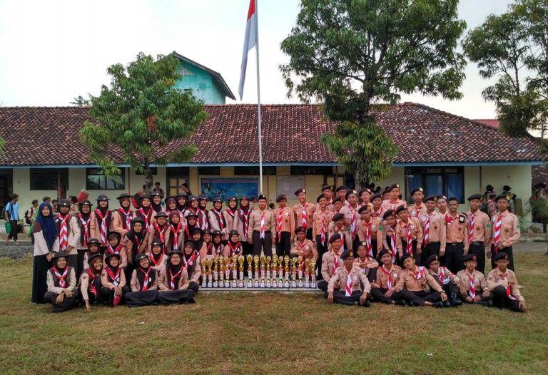 Balekambang Juara Umum Kemah Kwarran Nalumsari Tahun 2016
