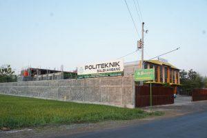Gedung Politeknik Balekambang